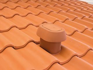 System kominków wentylacyjnych SIGNUM gwarancją bezpieczeństwa mieszkańców i szczelności dachu
