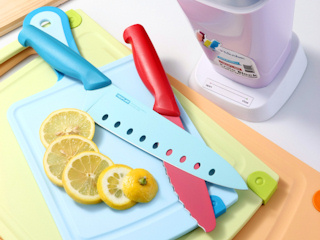 Kolorowe noże Neoflam, czyli jak ożywić kuchnię?