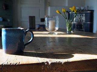 Wybieramy stoły drewniane do wnętrz
