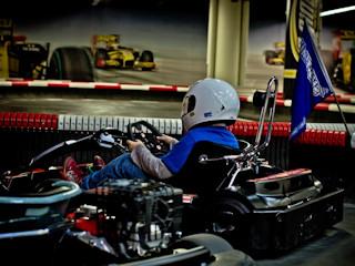 Kurs kierowcy wyścigowego w wakacyjnej szkole kierowców wyścigowych