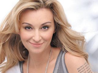 Martyna Wojciechowska została ambasadorką marki Soraya.