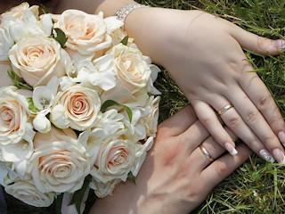 Co raz więcej par rezygnuje z tych tradycji ślubnych.