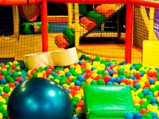 Centrum rozrywki Hulakula sposobem na jesienną nudę.