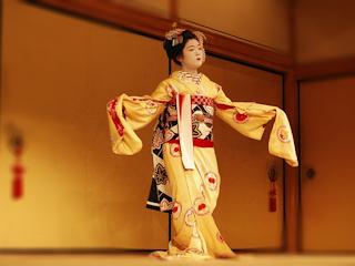 Kimono – sztuka noszenia