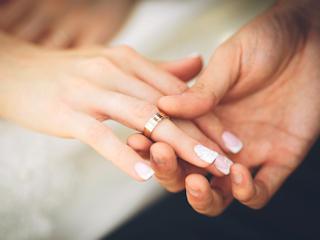Obrączki ślubne – poznaj najmodniejsze trendy