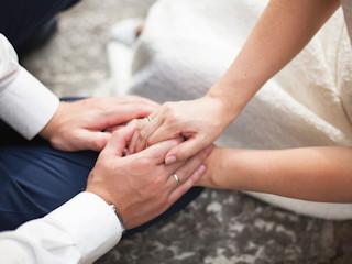 Trendy w obrączkach ślubnych.