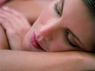 Zabiegi kosmetyczne skóry twarzy w salonie Kavi Wellness.