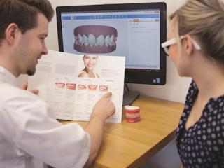 Trzydziestolatka u ortodonty. Co warto wiedzieć?