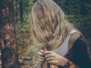 Najczęstsze choroby skóry głowy - jak sobie z nimi radzić.