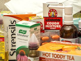 Silny ból gardła – jak sobie z nim radzić?