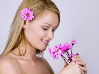 Walka z PMS - leki naturalne czy hormony?
