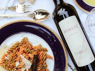 Jakich błędów unikać, wybierając wino na prezent?
