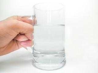 Woda - czy warto ją pić?