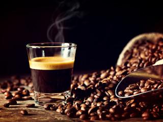 """Sposoby na """"małą czarną"""" – rodzaje kaw, które musisz znać!"""