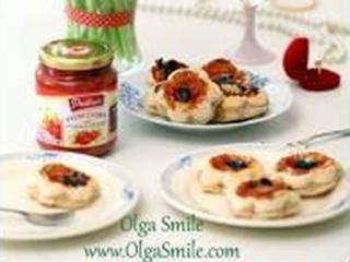 Przepis na tartaletki z pomidorami lekko podsmażonymi.