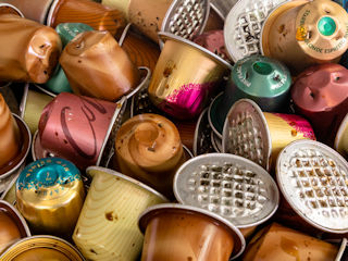 Zużyte kapsułki po kawie nadają się do recyklingu.